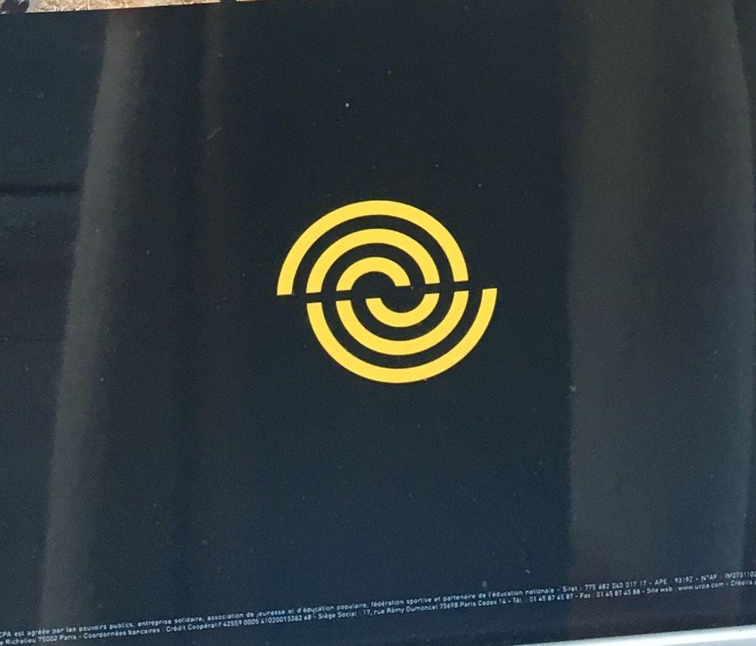 Epingle Par Artexplosion Sur Graphic Design Logo Logos Graphisme