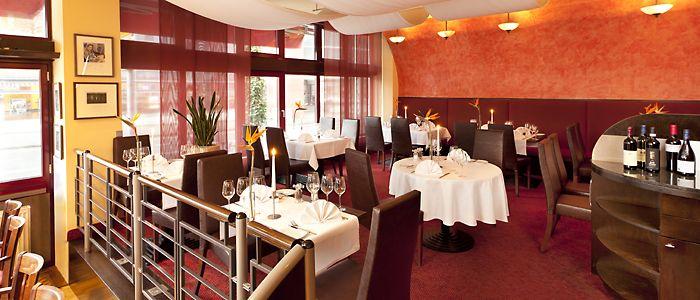 In unserem advena Restaurant mit Bistro-Café und Terrasse ...