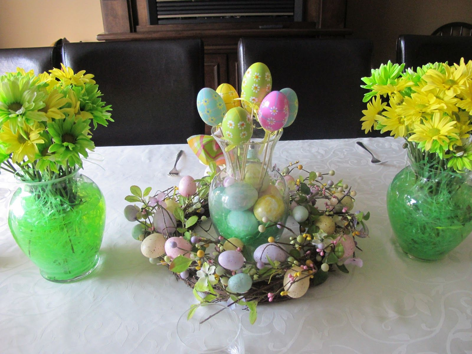 Diy Easter Decorations Diy Easter Table Decorations With Small Glass Vases Yellow Flower Easter Centerpieces Diy Easter Centerpieces Easter Table Decorations