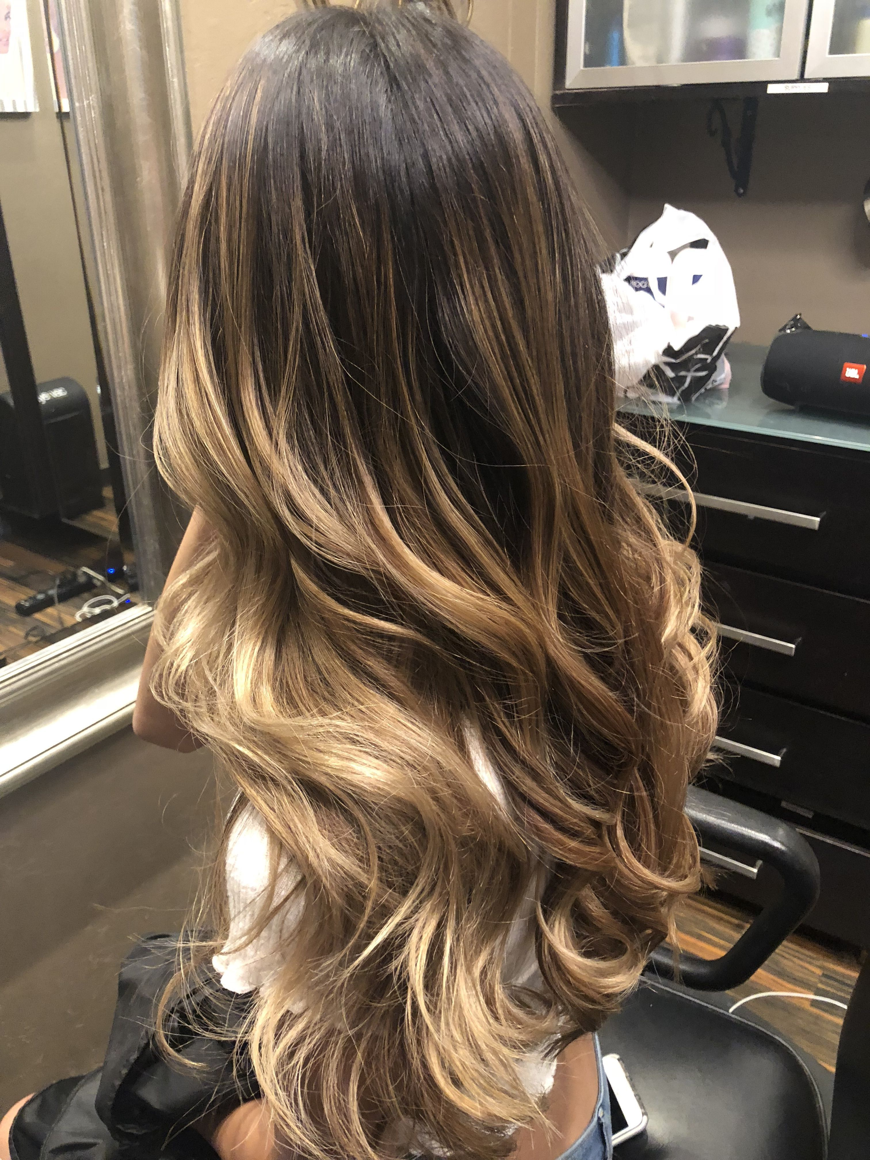 20 Gorgeous Blonde Hair Color Trends For Fall 2019 Easy Hairstyles Hair Styles Blonde Hair Color Balayage Hair