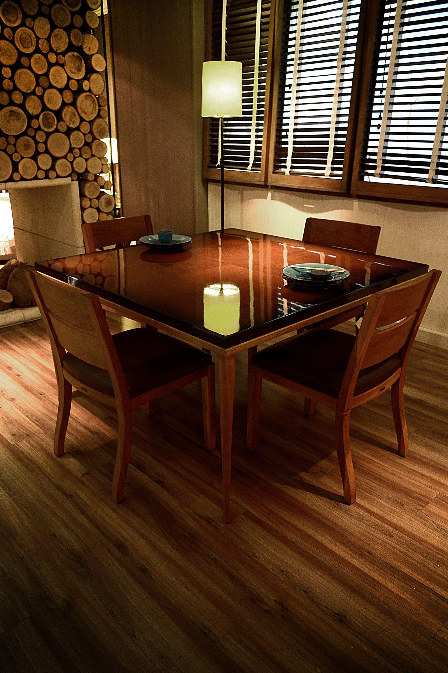 Mesa de comedor cuadrada recomendada para lugares m s for Mesas comedores pequenos