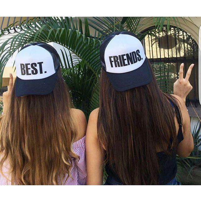 f35d3cf143b2e Comparte con tu mejor amiga el día de la mujer Gorras 2× 15 ...