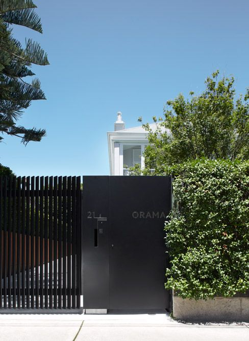 Black modern metal gate and fence smart design studio for Modern house entrance gate designs