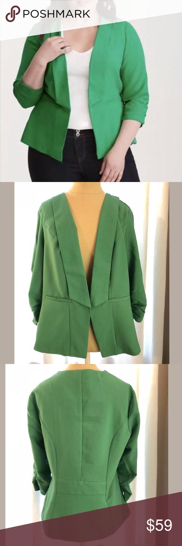 02b83f45a15 💚NWOT💚 torrid green blazer sz 00 Women s plus size Kelly green open  blazer (