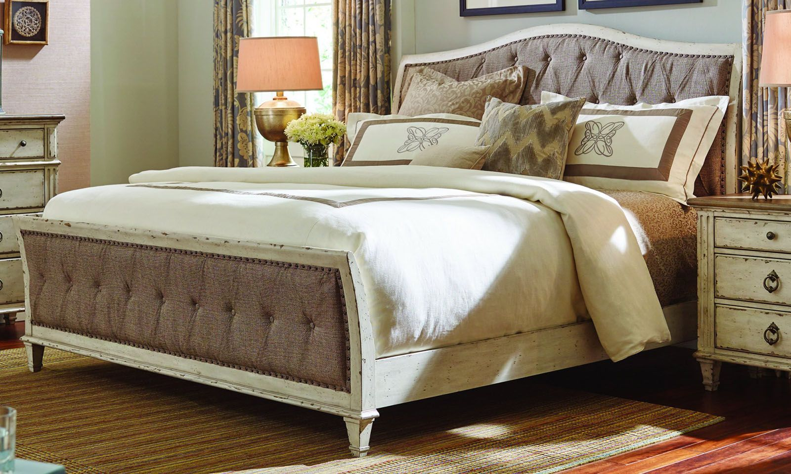 American Drew Southbury 4pc Upholstered Panel Bedroom Set