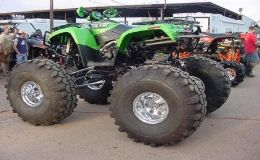 arctic cat, artic cat, big tires, green, very powerfull