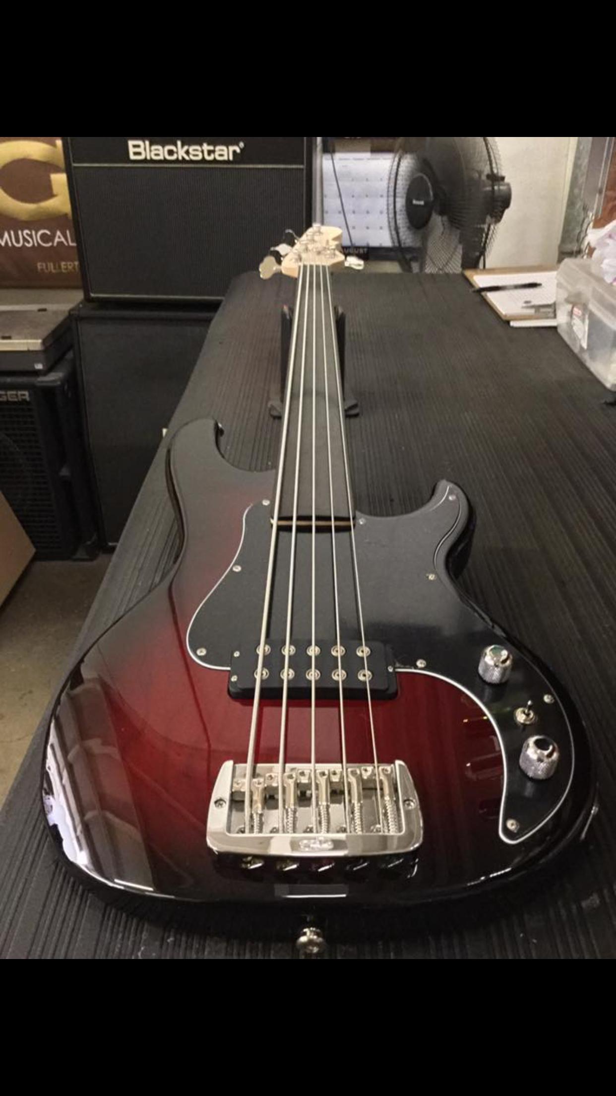 g l kiloton fretless 5 bass guitar in 2019 bass ukulele music chords guitar chords. Black Bedroom Furniture Sets. Home Design Ideas