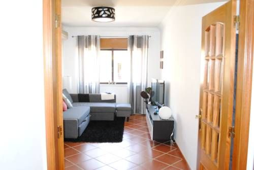 Flat in Carcavelos Beach Carcavelos Flat in Carcavelos Beach is a self-catering accommodation located in Carcavelos. Free WiFi access is available. The property is 2.3 km from Carcavelos Beach.  Accommodation will provide you with a balcony.