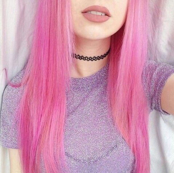 Pale Pink Kawaii Hairstyle with Choker - http://ninjacosmico.com/32-pastel-hairstyles-ideas/