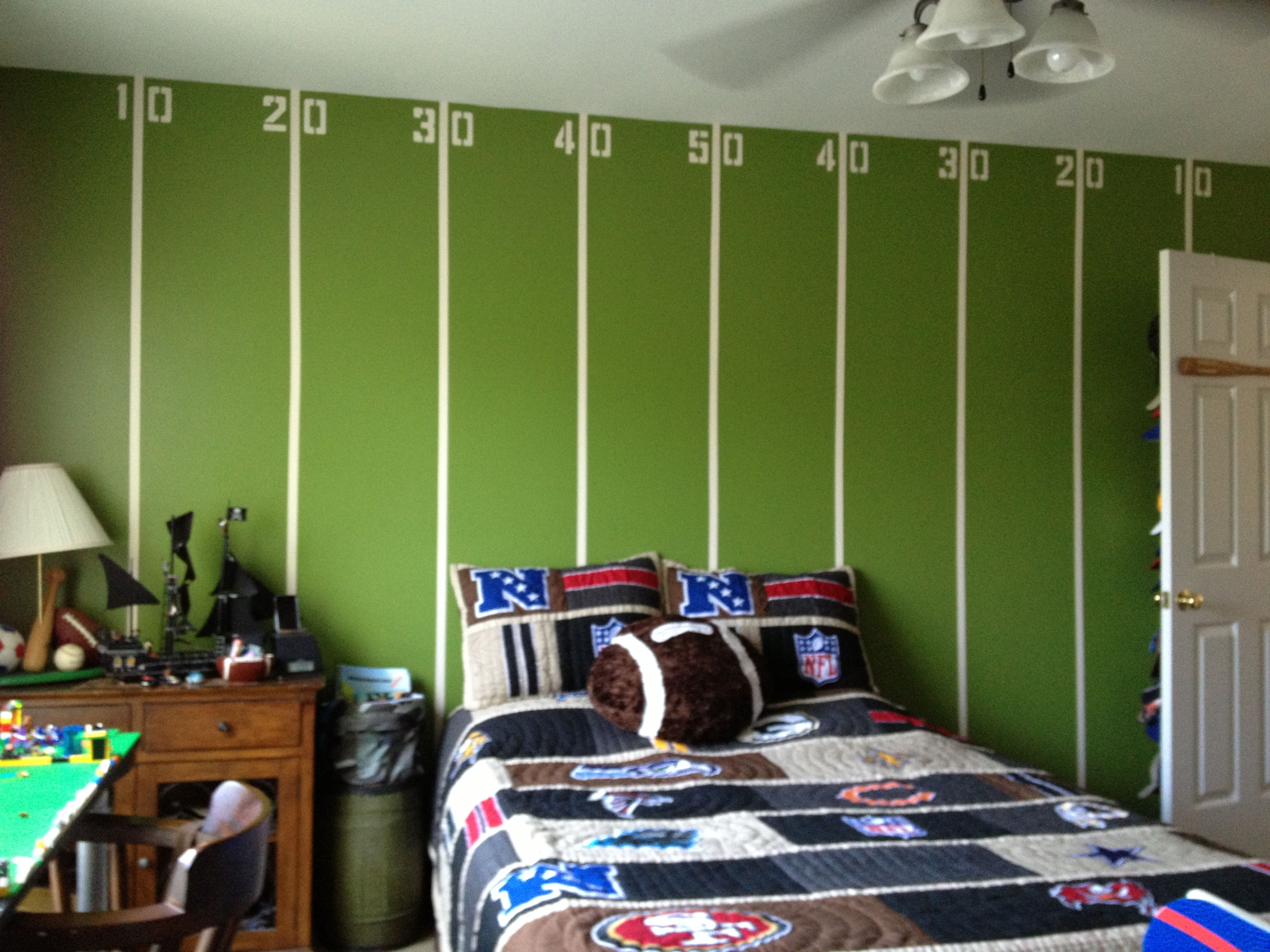 Boys Sports Bedroom Ideas best 25 boys football room ideas on pinterest boy sports rooms for