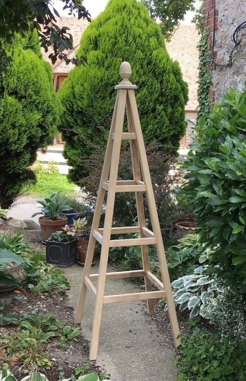 Wooden garden obelisk made from Accoya with acorn finial