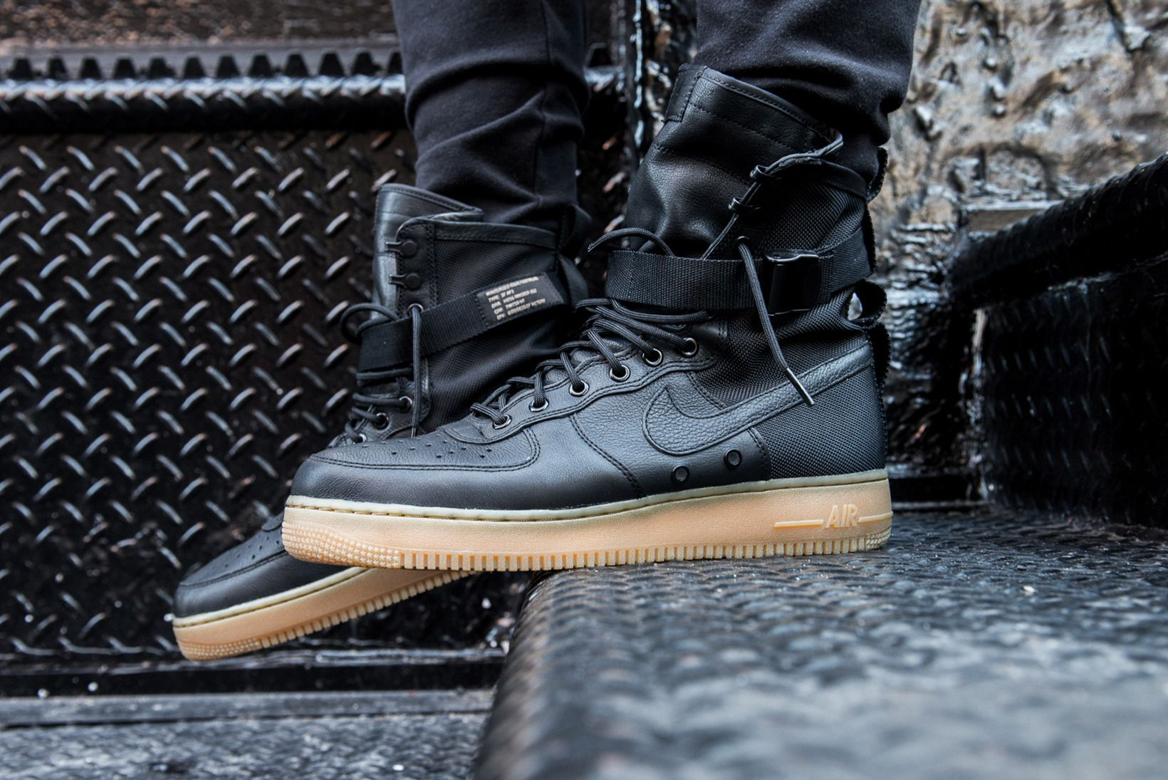 An Onfeet Look At The Nike Special Field Air Force 1 Air Force One Shoes Nike Nike Air Force Ones