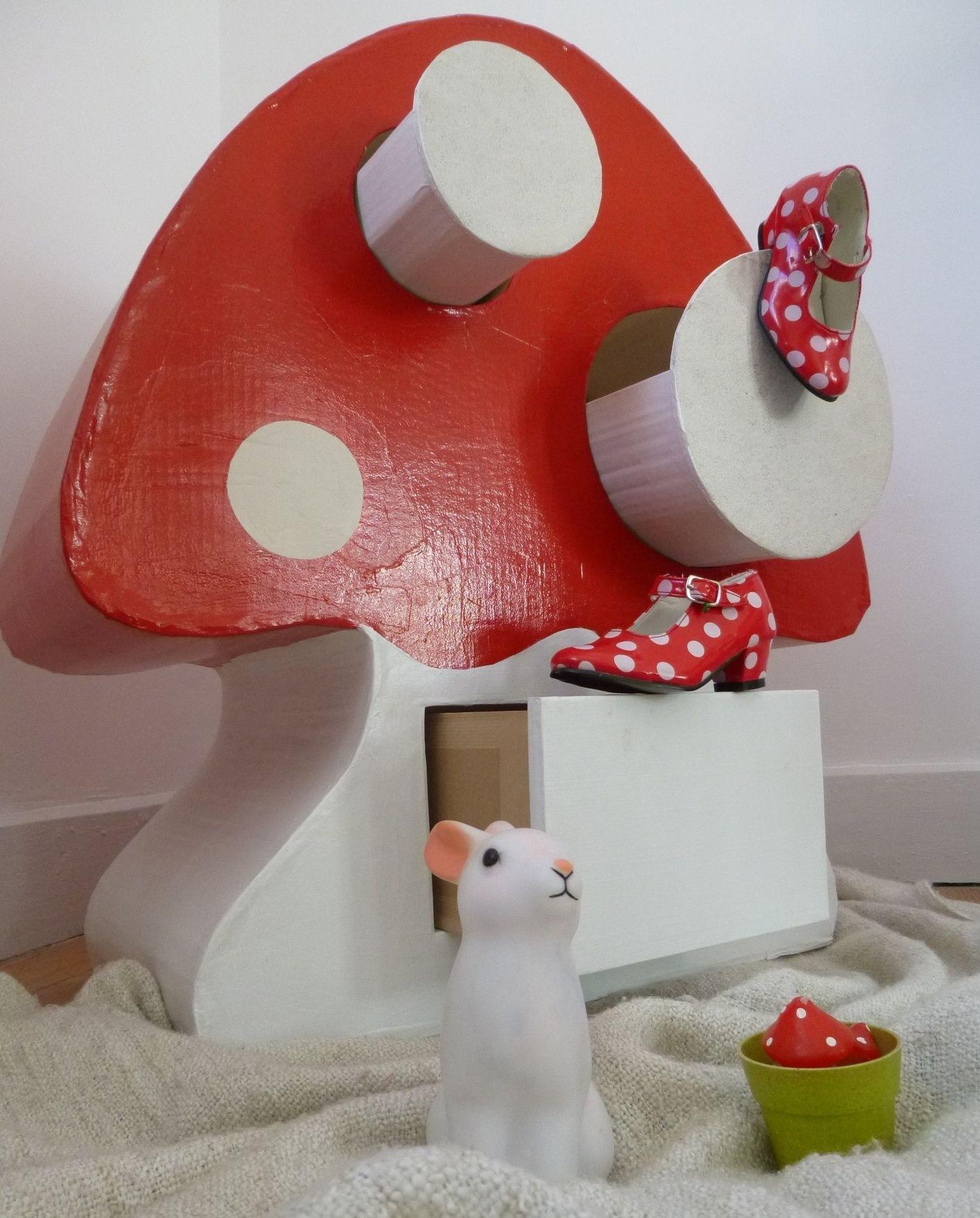 Meuble champignon pour ranger doudou et t tine chambre d 39 enfant de b b par melleclelia - Meuble pour chambre d enfant ...