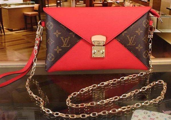 Louis Vuitton Monogram Canvas POCHETTE Bag