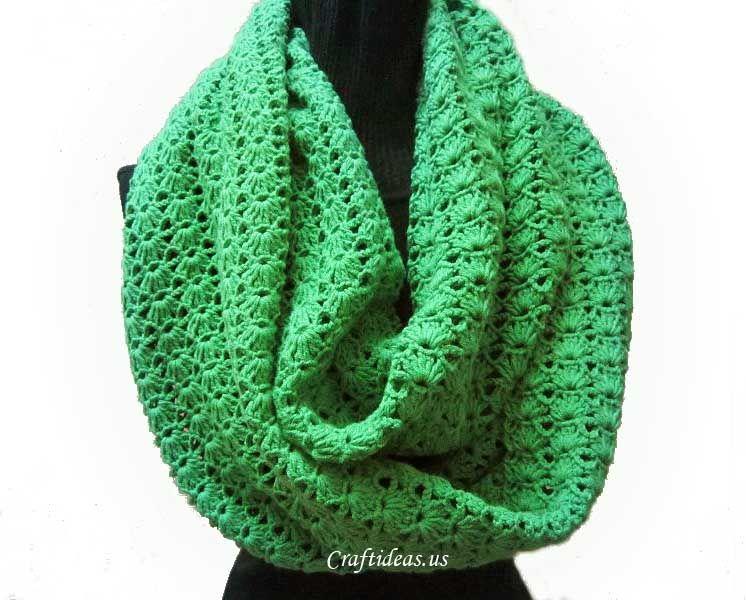 Free crochet pattern - Shell stitch scarf / cowl Shell Stitch = 5DC ...