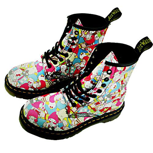 dr martens 1460 boots hello kitty clearance try. Black Bedroom Furniture Sets. Home Design Ideas