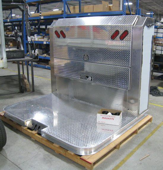 Aluminum Headache Racks And Cab Guards For Semi Trucks Built By
