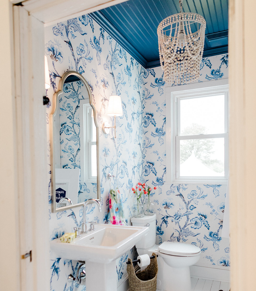 Photo of Blue and white farmhouse bathroom makeover – The Morris Manor