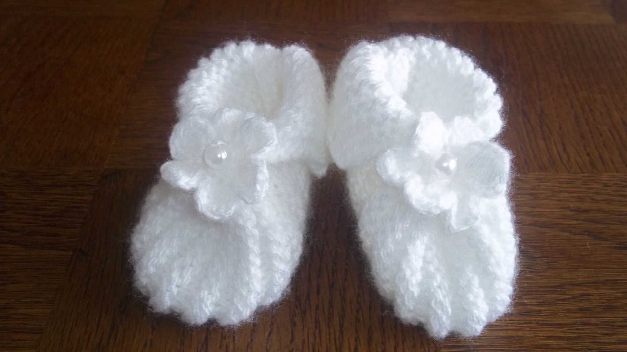 modele tricot chaussons bebe naissance