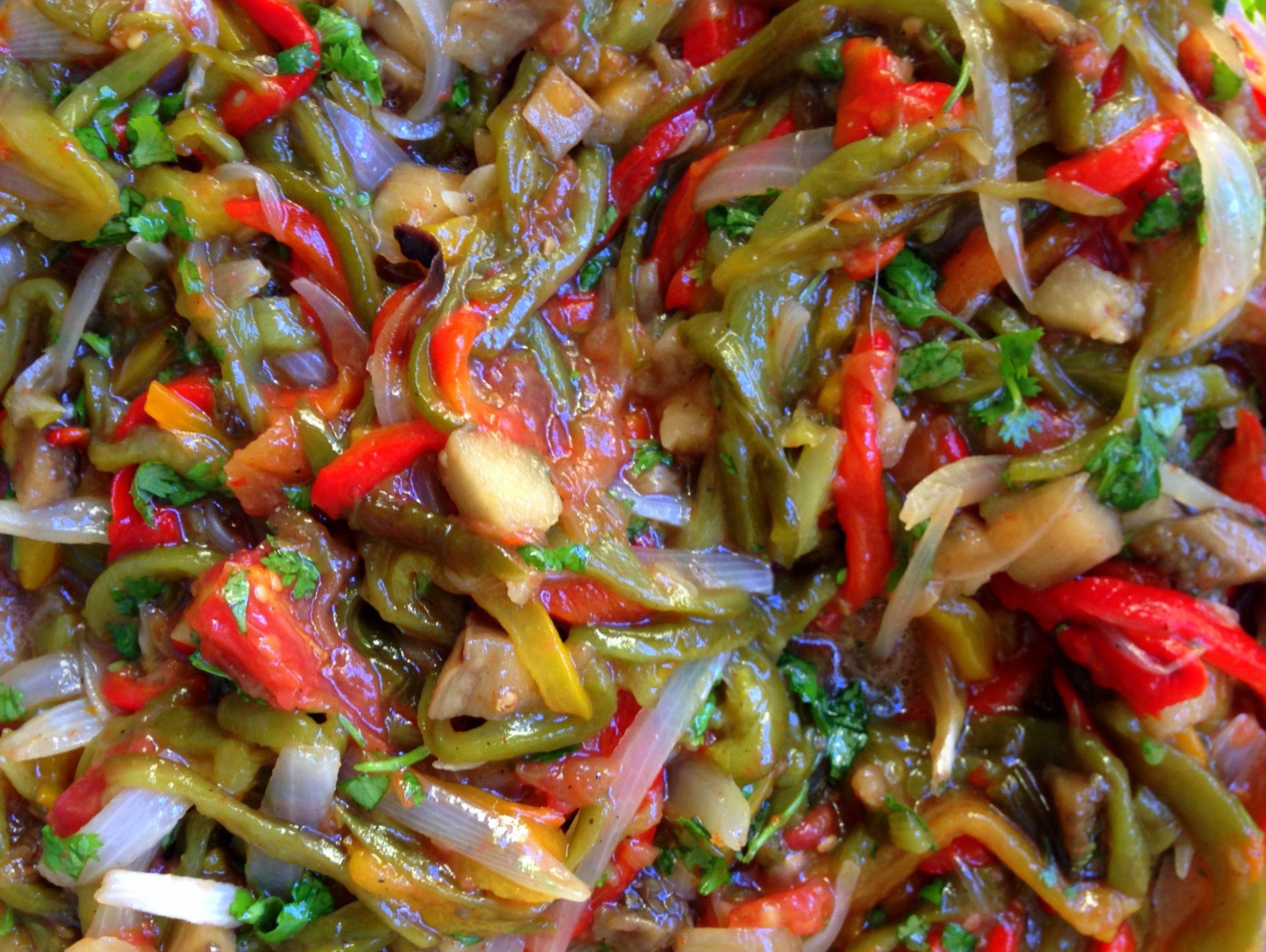 Cómo hacer peperonata o ensalada de chiles dulces (ajíes, pimentones o pimientos). Gineceo, María Tenorio, 2016