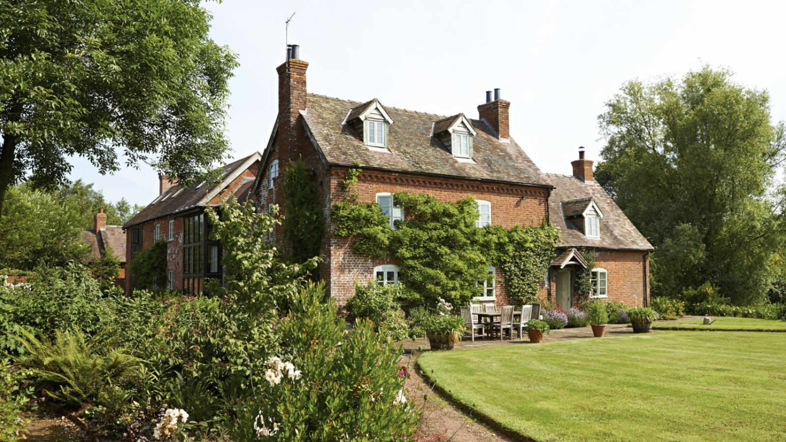 The Country House Company the freeth - the big cottage company | big cottages, english