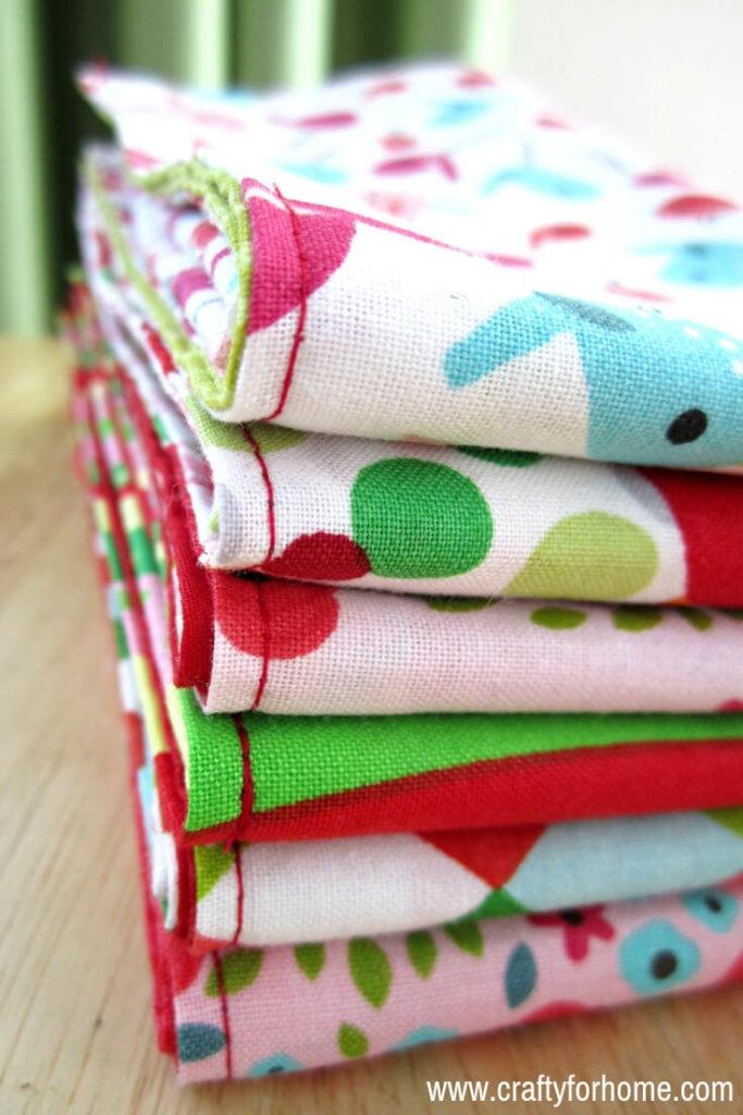 Handmade Cloth Napkins: Easy Tutorials #clothnapkins