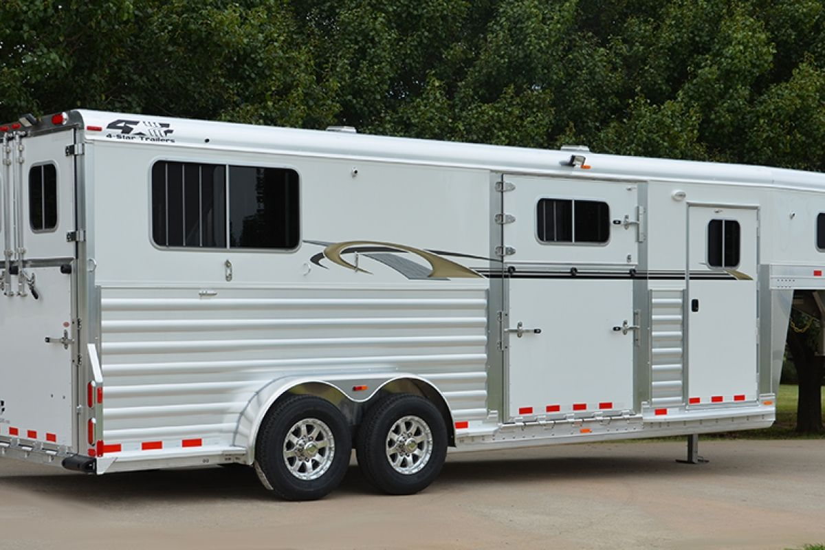 2 Horse 22 X 7 Thoroughbred 4 Star Trailers 800 848 3095 Horses Livestock Trailers Star Trailer