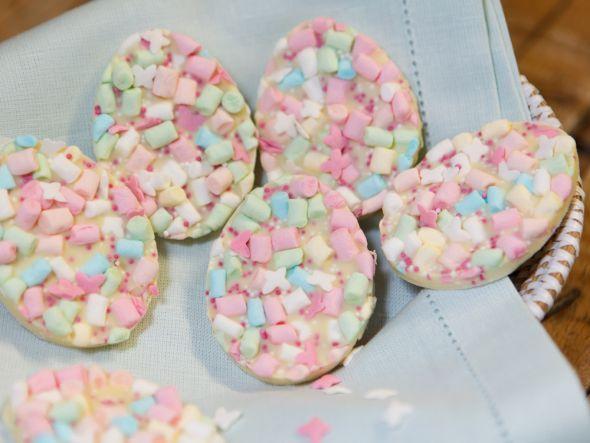 Marshmallow Eggs http://www.fuersie.de/kitchen-girls/tipps/blog-post/marshmallow-eier