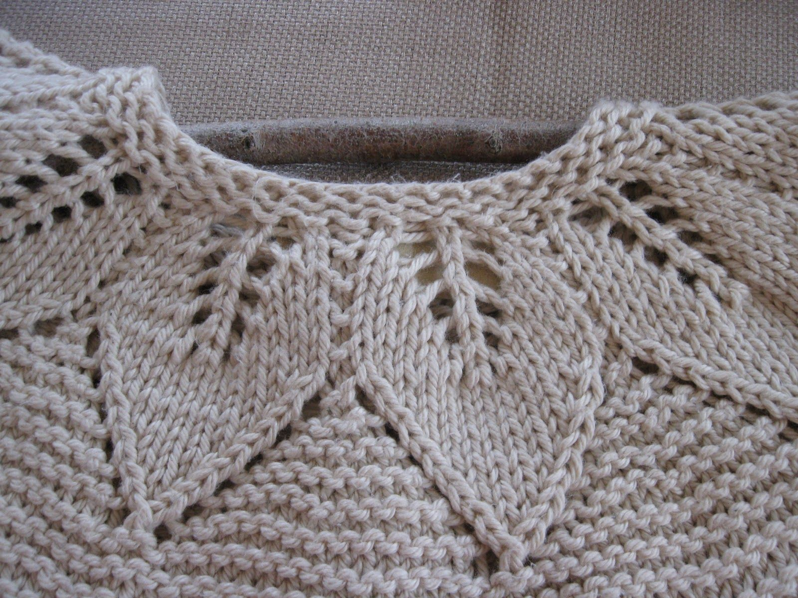 Contemporary Leaf Pattern Knitting Pattern - Blanket Knitting ...