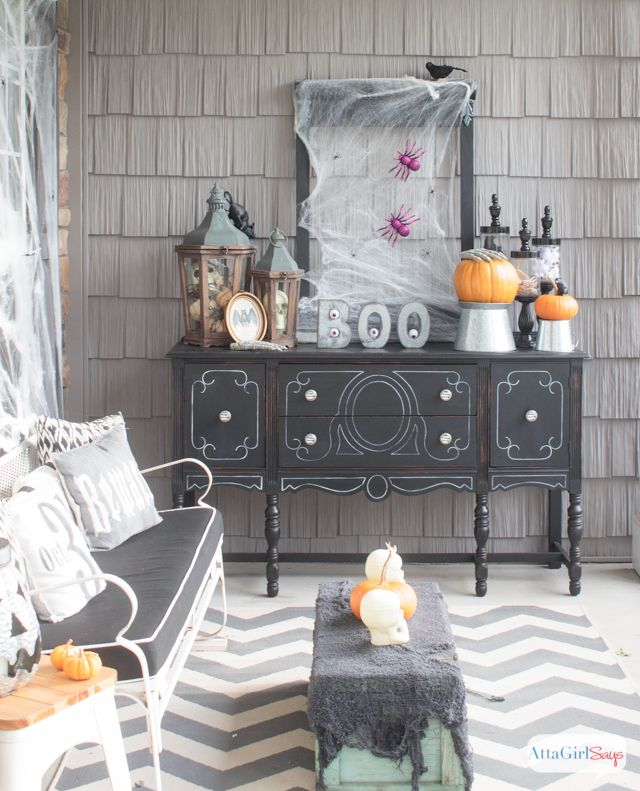 Scary Halloween Decorations For Your Front Porch