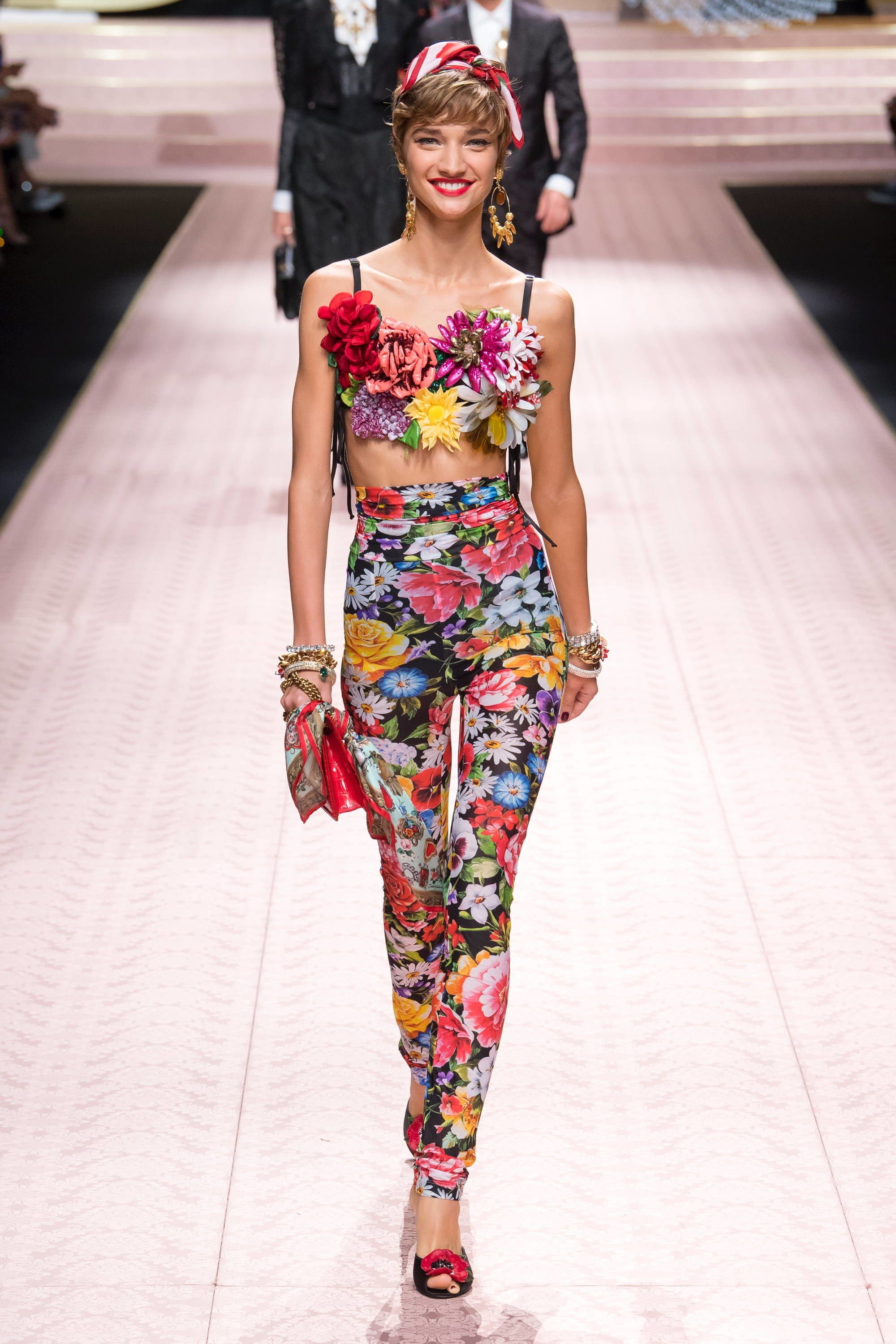 1fad95ad Dolce & Gabbana Spring 2019 Ready-to-Wear Fashion Show | Things to ...