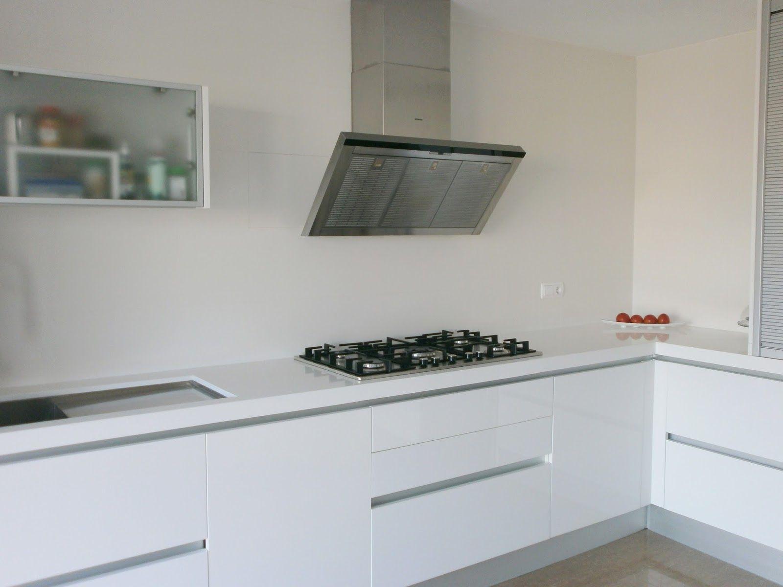 Resultado de imagen de cocina blanca con encimera blanca - Encimeras cocinas blancas ...