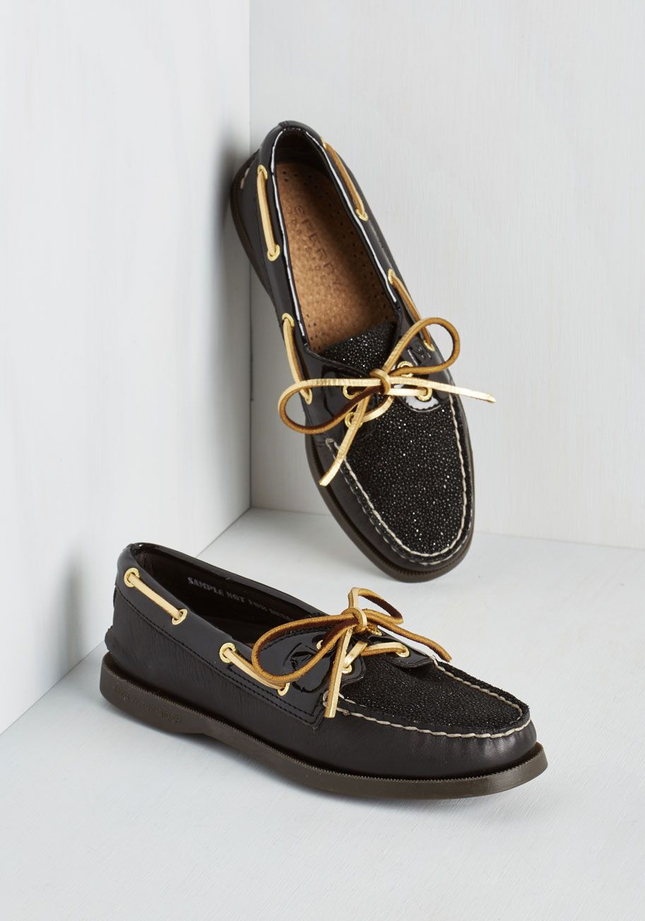Up to Bateau Loafer. Demonstrate the boldness of your sailing-inspired style by stepping out in these sparkling Sperry loafers! #black #modcloth