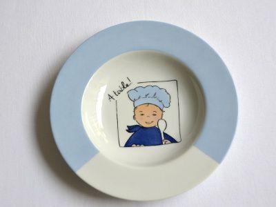 www.frederiqueflipo.com wp-content uploads 2014 02 assiette-enfant-model-petit-cuisinier-bleu.jpg