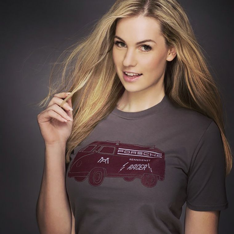 Renndienst T-shirt Design - As modelled by the beautiful