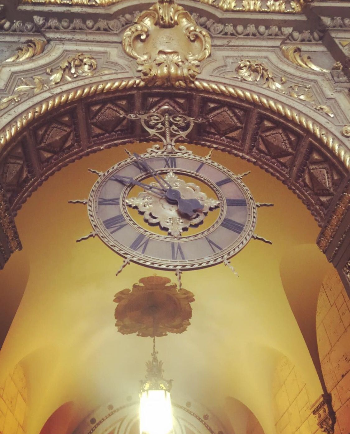 The clock is ticking, the time is near, looking forward to the weekend that is almost here!!! ⏱⏰🕰 #intimatelyimprint #imprintlc #imprintaffair #time #tgif #fridays #friday #photography #biltmore #biltmorehotel #photograph