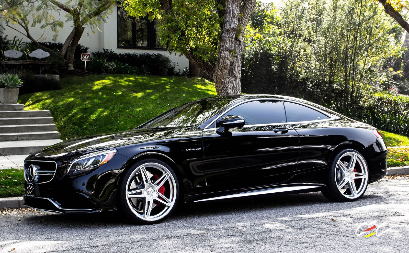 Mercedes benz s63 amg coupe with staggered 22 s class for Mercedes benz s63 amg coupe price