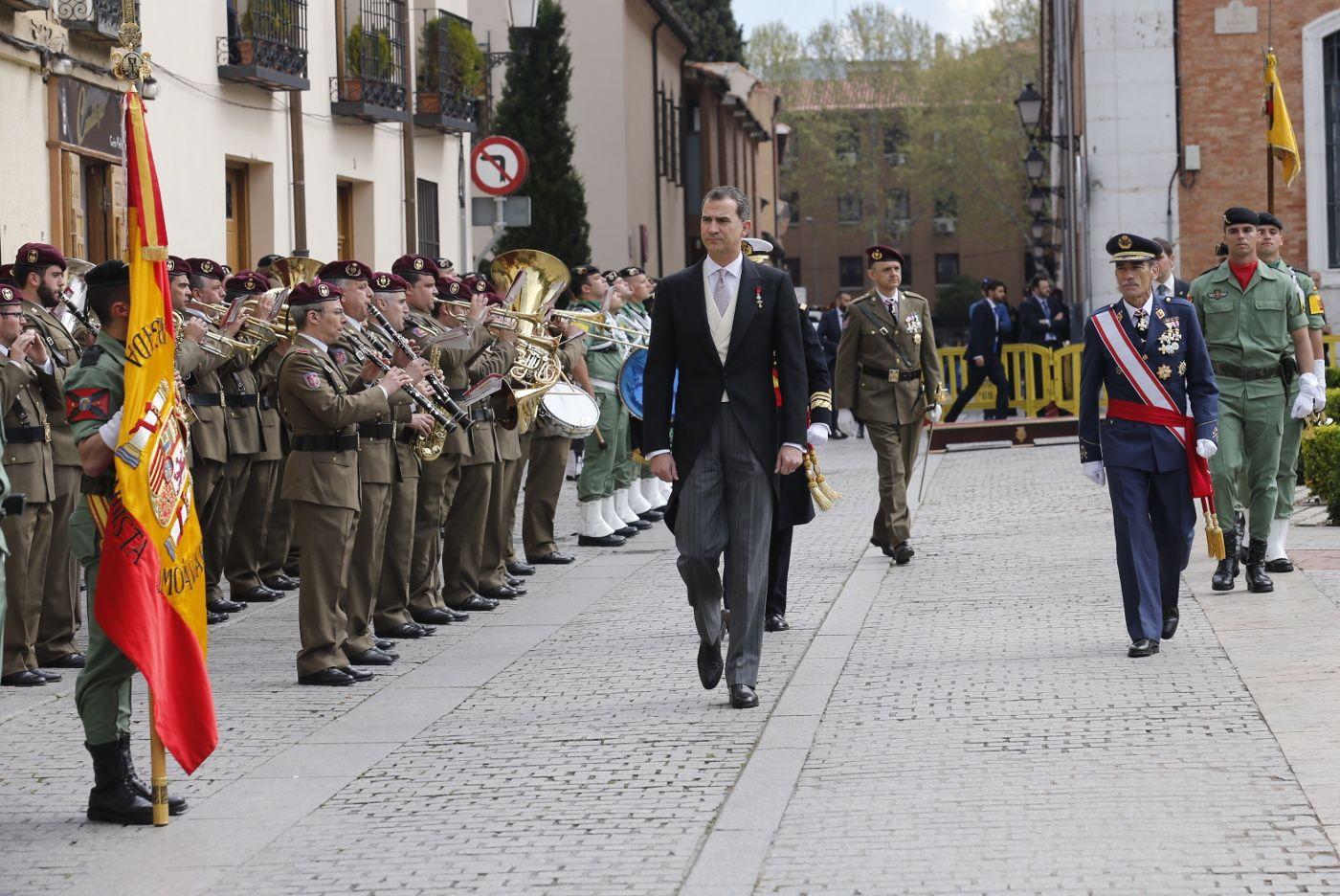 Su Majestad el Rey Felipe pasa revista a la fuerza a su llegada a la Universidad de Alcalá de Henares Universidad de Alcalá. Alcalá de Henares (Madrid), 23.04.2016