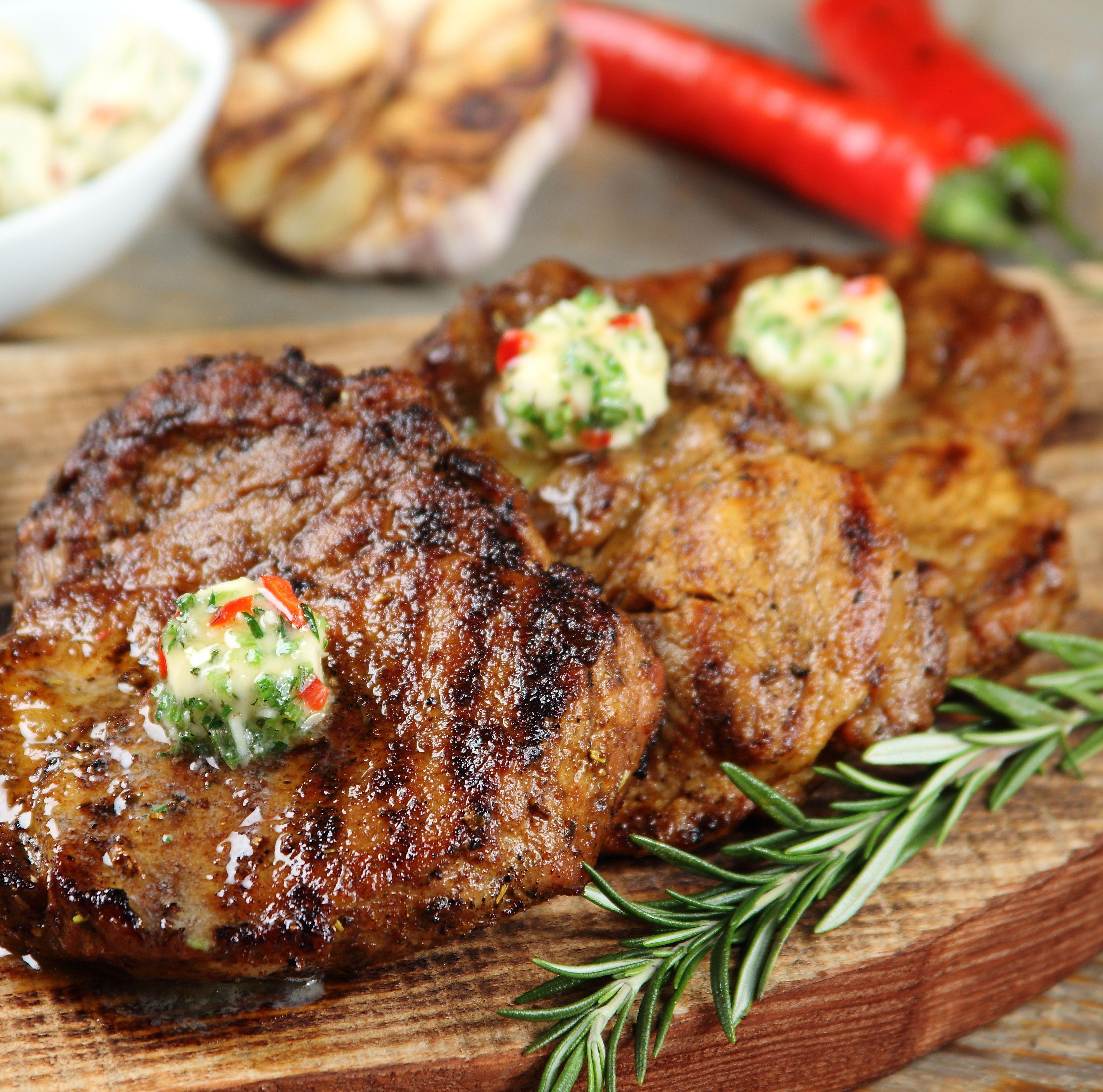 Stek Z Karkowki Z Ostrym Maslem Ziolowym Przepis Zobacz Na Przepisy Pl Recipe Culinary Recipes Food Grilling