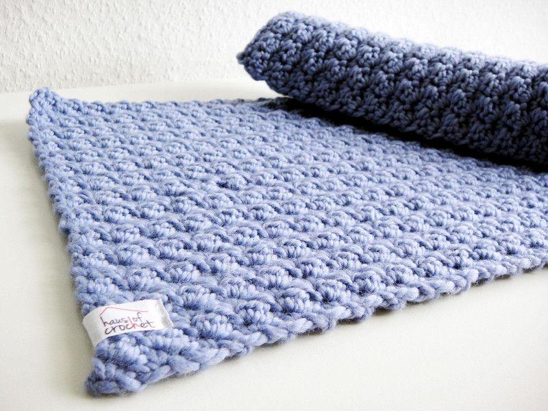 2 Platzsets Gehakelt 100 Wolle Hellblau Von Haus Of Crochet Auf Dawanda Com Tischset Hakeluntersetzer Platzdeckchen