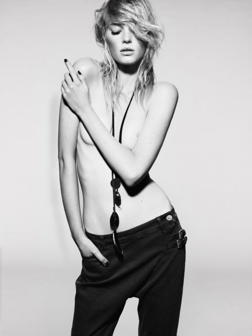 Avia - Fashion model gone bad - First 64