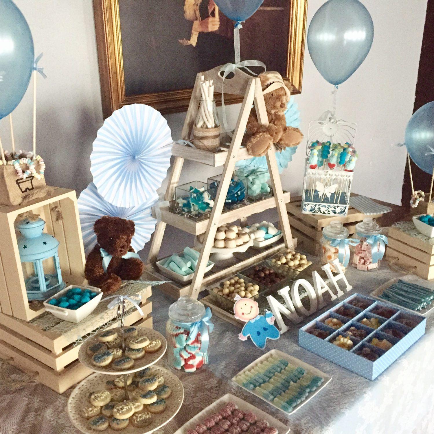 Un Candy Bar es una mesa para que tus invitados se sirvan las gominolas que ms les gustenEs una idea genial para bodas comuniones o inclu