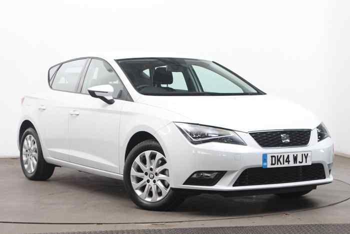 White Metallic Seat New Leon Hatchback 5 Door Cars For Sale