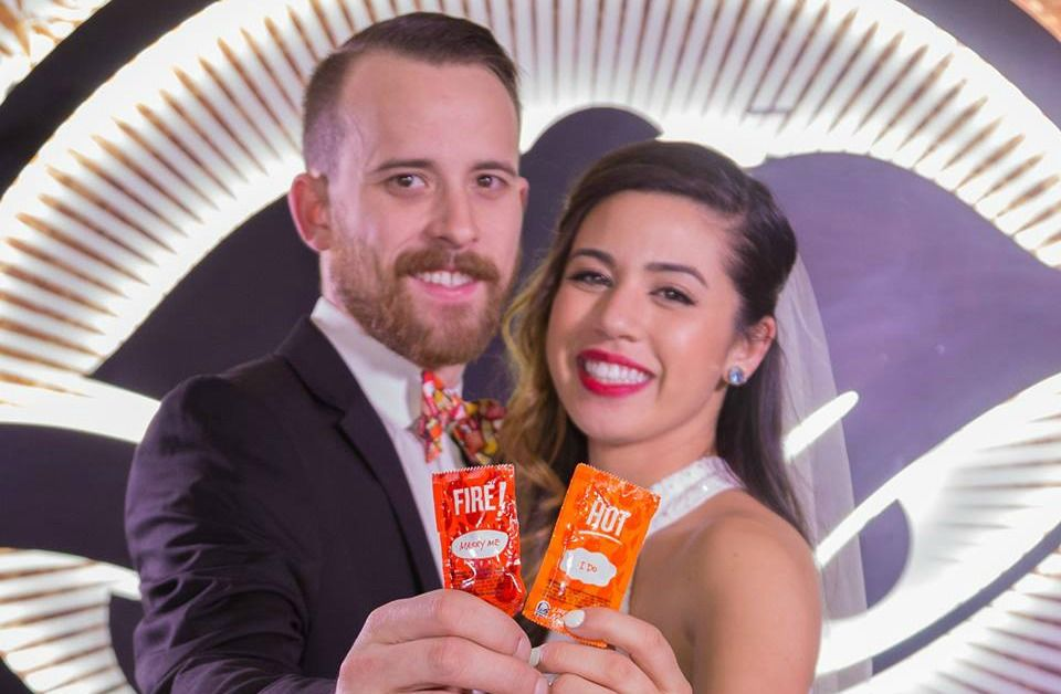 Yes You Can Get Married At Taco Bell Angelsfoodparadise Taco Bell Wedding Taco Bell Got Married