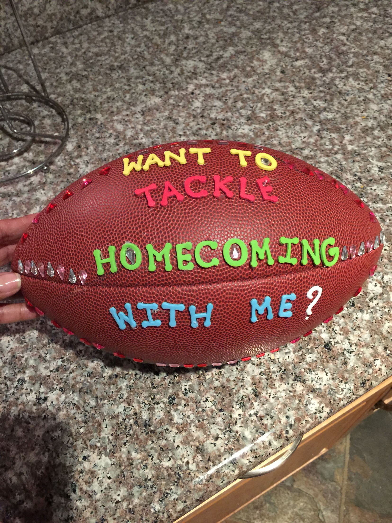 Cute idea to ask someone to homecoming