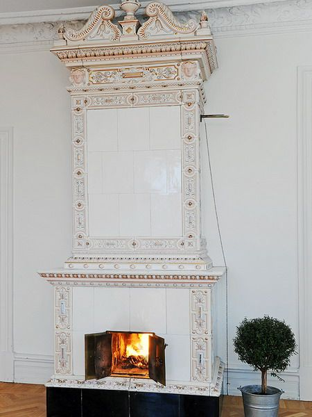 35 Real Life Scandinavian Fireplaces | Shelterness