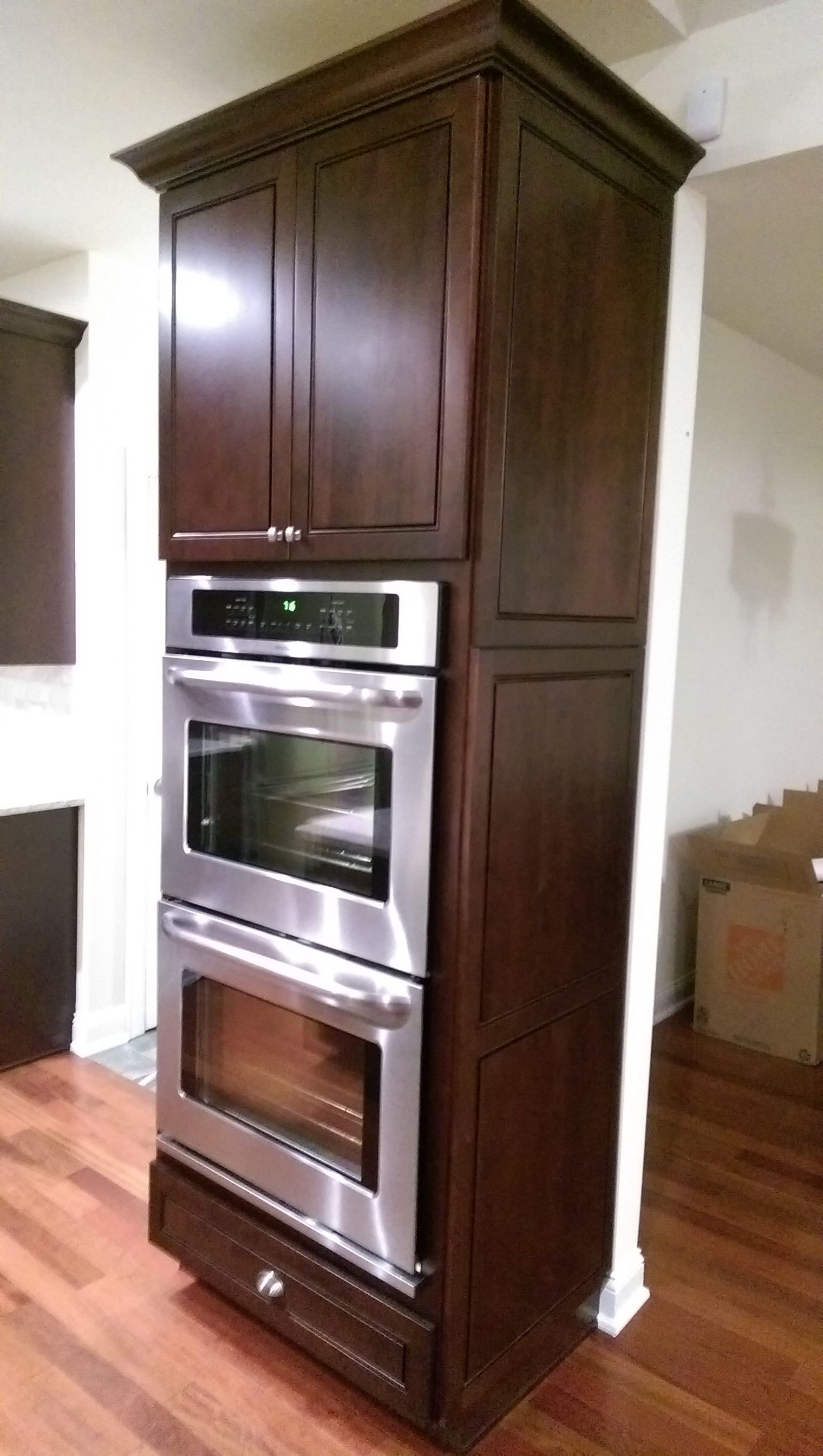 Superior #Kraftmaid Double Oven Cabinet With Integrated Decorative End.