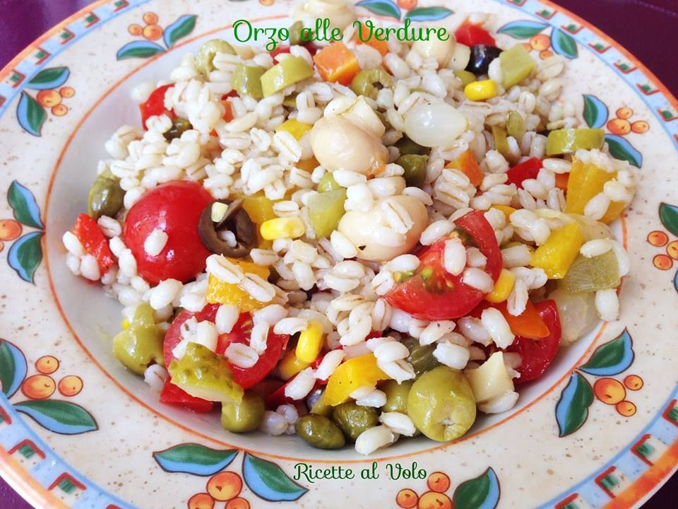 Orzo alle verdure https://www.facebook.com/ricettealvolo/photos/pb.1375665509324954.-2207520000.1426693126./1433377706887067/?type=3&theater