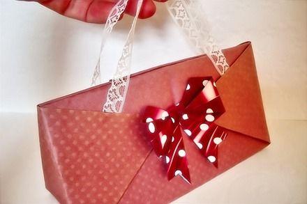 Pochette Papier Rose Romantique avec Dentelles 15,5X6cm : Emballages cadeaux par claudia-chocolats