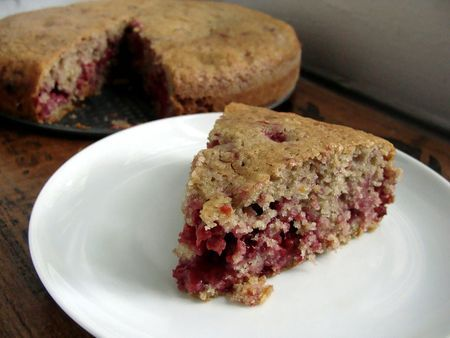 feel good cake (olive oil raspberry...could do other berries)
